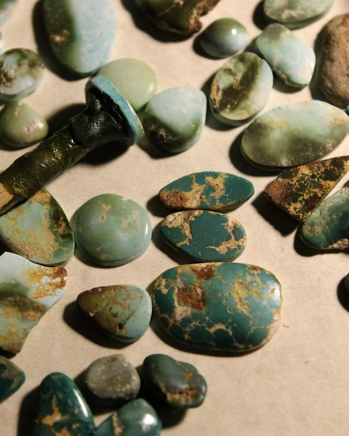Turquoise vein study, matching it up (Stone Mountain Turquoise)